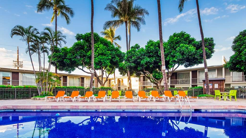 Best Western The Plaza Hotel - Vista de la piscina