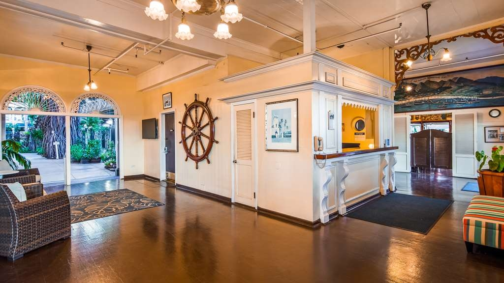 Best Western Pioneer Inn - Vista del vestíbulo