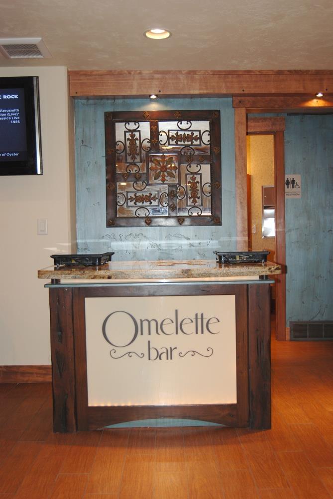 Best Western Driftwood Inn - Let our chef create custom fresh omelets, scrambled eggs, fried eggs, or breakfast sandwiches.
