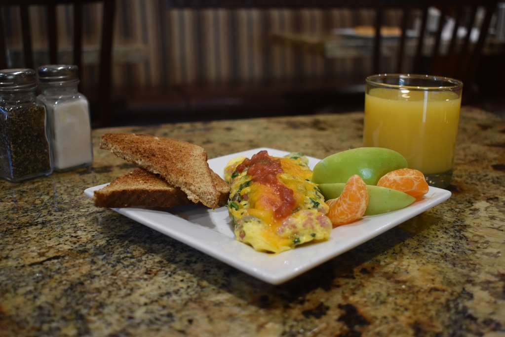 Best Western Driftwood Inn - Start your day with a well rounded breakfast.