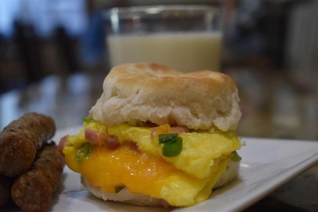 Best Western Driftwood Inn - Enjoy breakfast the way you like it best!