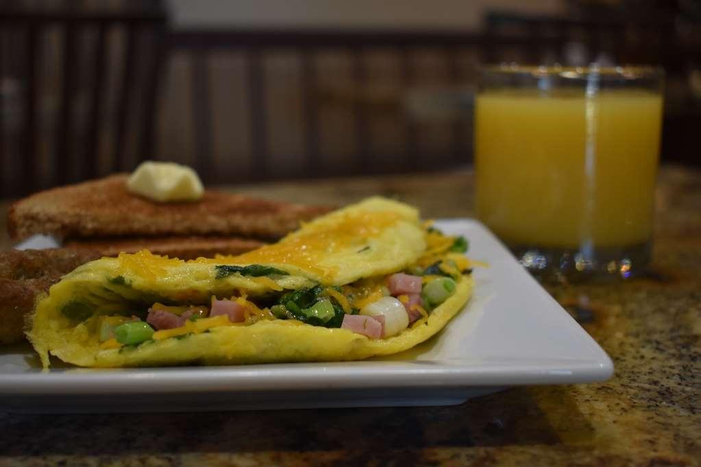 Best Western Driftwood Inn - Custom made omelettes made how you'd like every morning!
