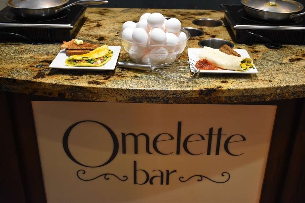 Best Western Driftwood Inn - Complementary omelette station read for you to start your day right.