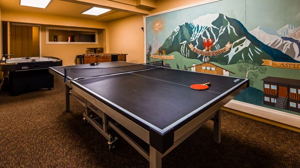 Best Western Tyrolean Lodge - Ping Pong Table