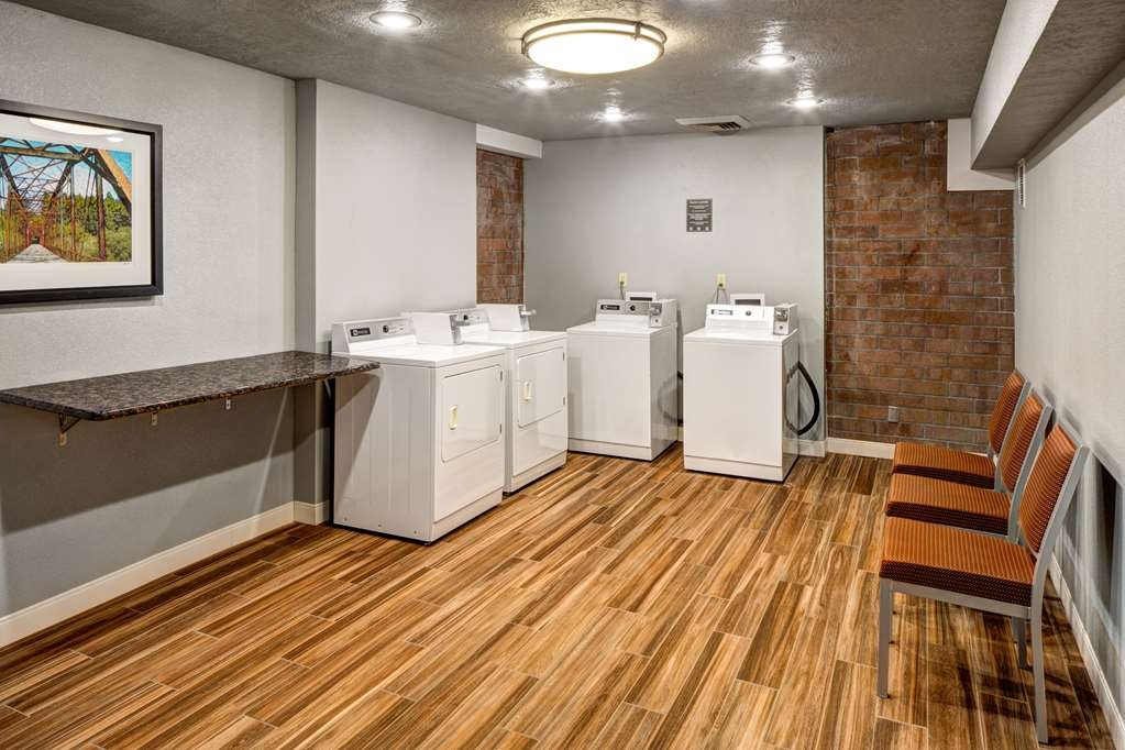 Best Western Pocatello Inn - We have a guest laundry for your convenience, open 24 hours.