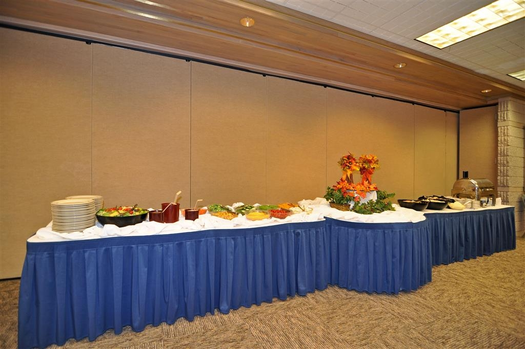 Best Western Plus University Inn - Full catering available for all your meetings.