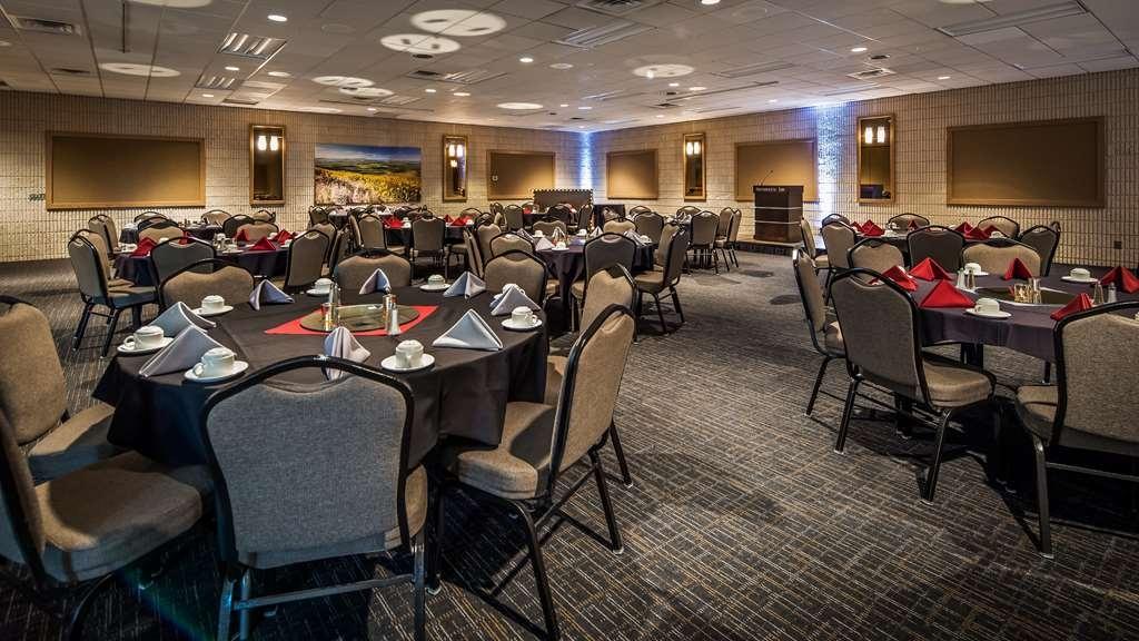 Best Western Plus University Inn - Sala de reuniones