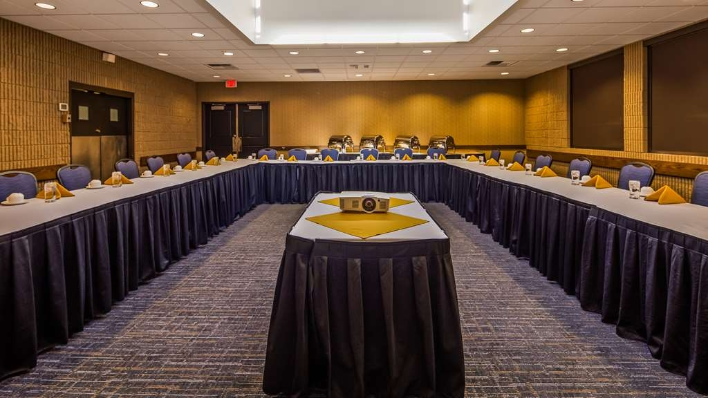 Best Western Plus University Inn - Our staff takes care of your event from start to finish....including all setup and tear down! With eleven meeting rooms to choose from, we have the perfect room for your meeting's needs.