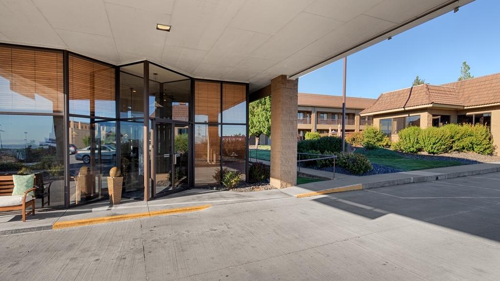 Best Western Foothills Inn - Facciata dell'albergo