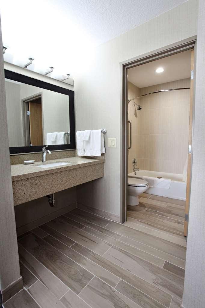 Best Western Plus CottonTree Inn - Badezimmer