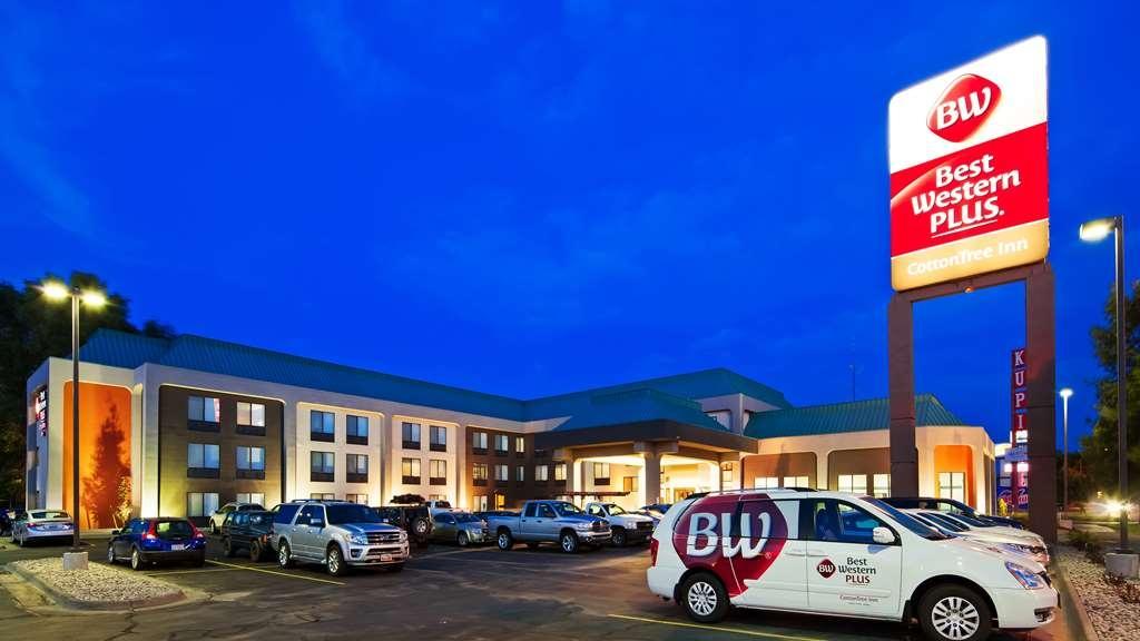 Best Western Plus CottonTree Inn - Facciata dell'albergo