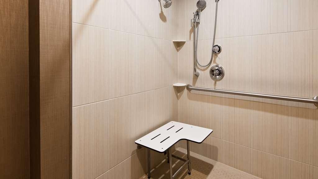 Best Western Plus CottonTree Inn - Accessible Bathroom