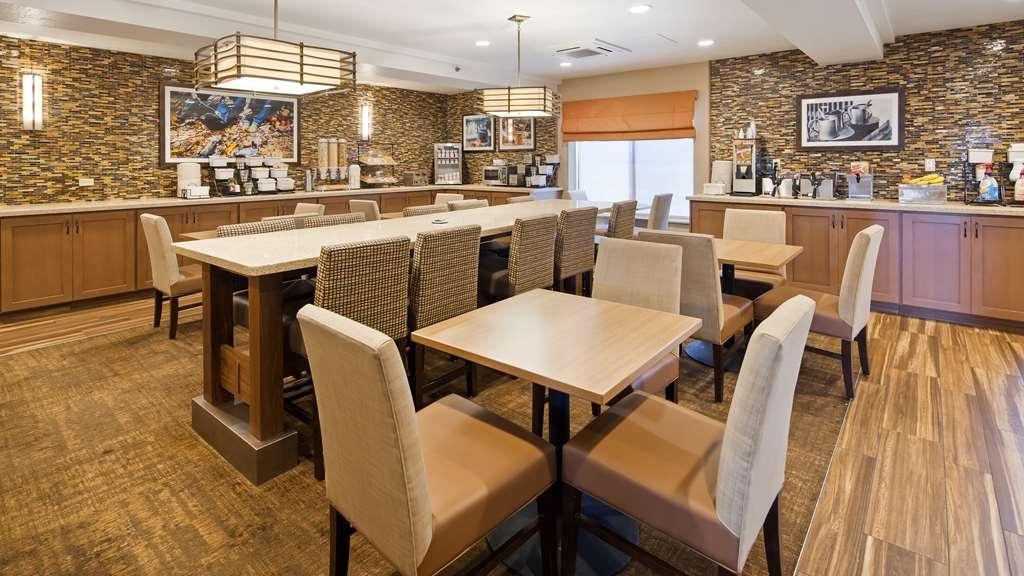 Best Western Plus CottonTree Inn - Breakfast Area