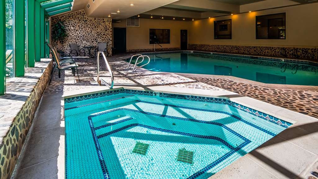 Best Western Plus Kentwood Lodge - Piscina