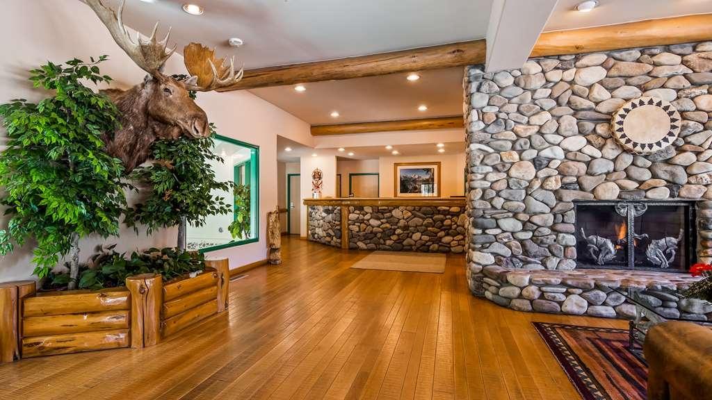 Best Western Plus Kentwood Lodge - Lobby