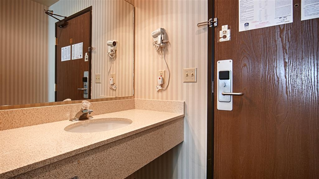 Best Western Blackfoot Inn - Guest Bathroom