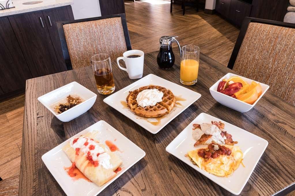 Best Western Sawtooth Inn & Suites - Le petit déjeuner buffet