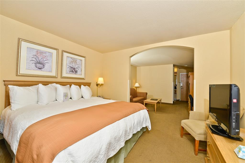 Best Western Plus Caldwell Inn & Suites - Suite