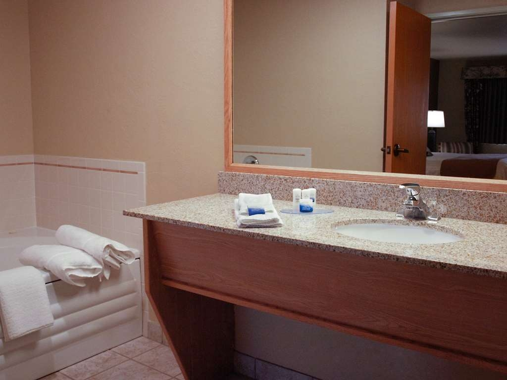 Best Western Plus Caldwell Inn & Suites - Badezimmer