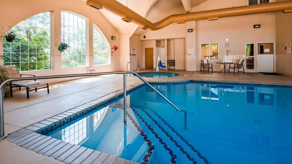 Best Western Plus Caldwell Inn & Suites - Vue de la piscine