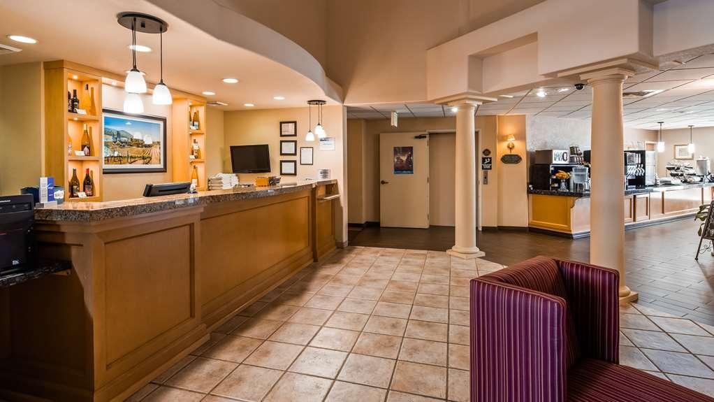 Best Western Plus Caldwell Inn & Suites - Hall