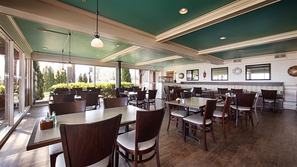 Best Western Edgewater Resort - Restaurant