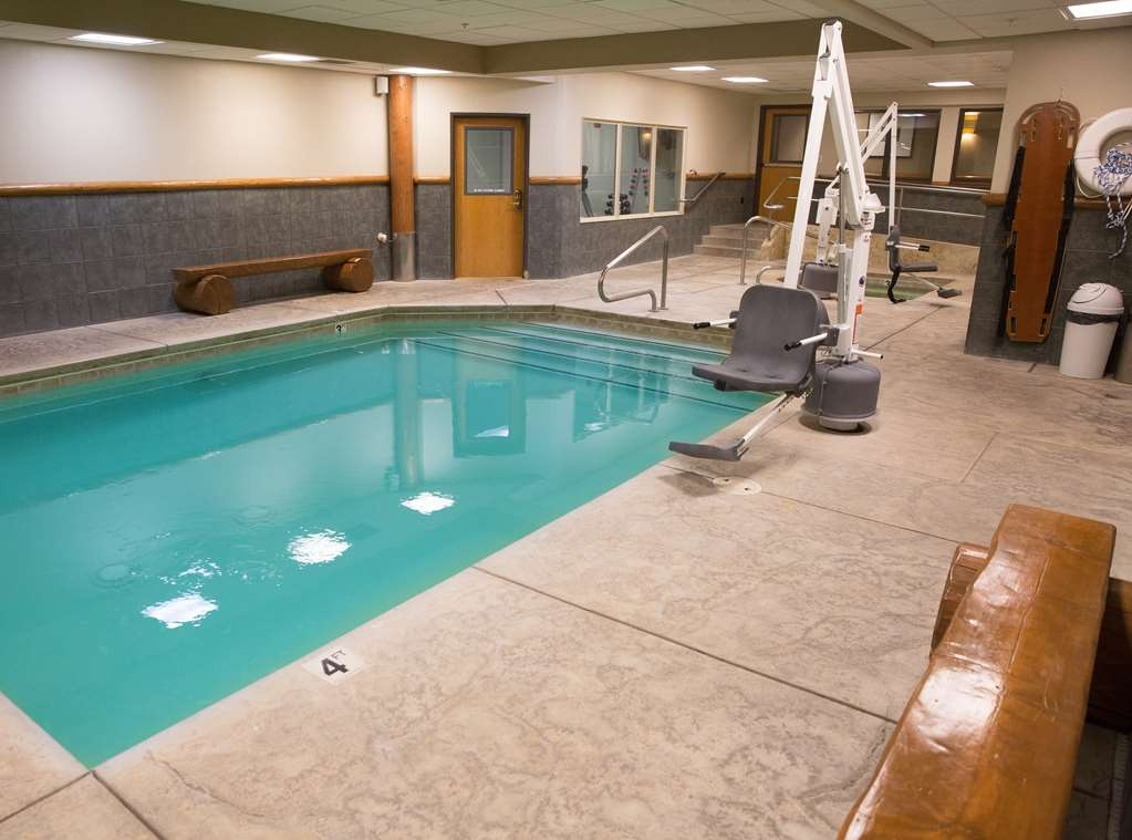 Best Western Northwest Lodge - Plan an afternoon with the family at our beautiful indoor heated pool and spa that is open 6:00 a.m-11:00 p.m