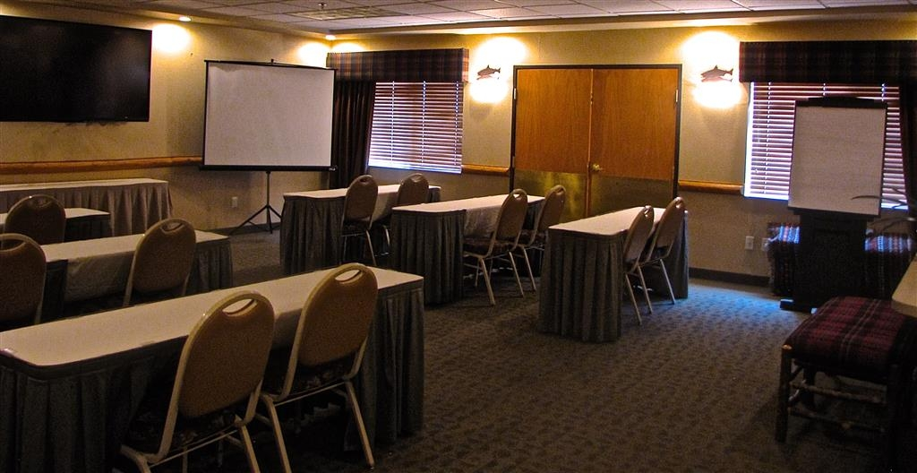 Best Western Northwest Lodge - Bear Creek Meeting Room - Regular coffee, decaf coffee, water and an on-site staff person is included with our meeting rooms.