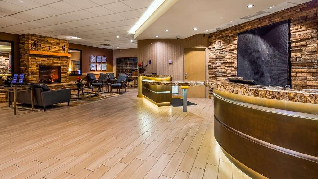 Best Western Plus Coeur d'Alene Inn - Vista del vestíbulo
