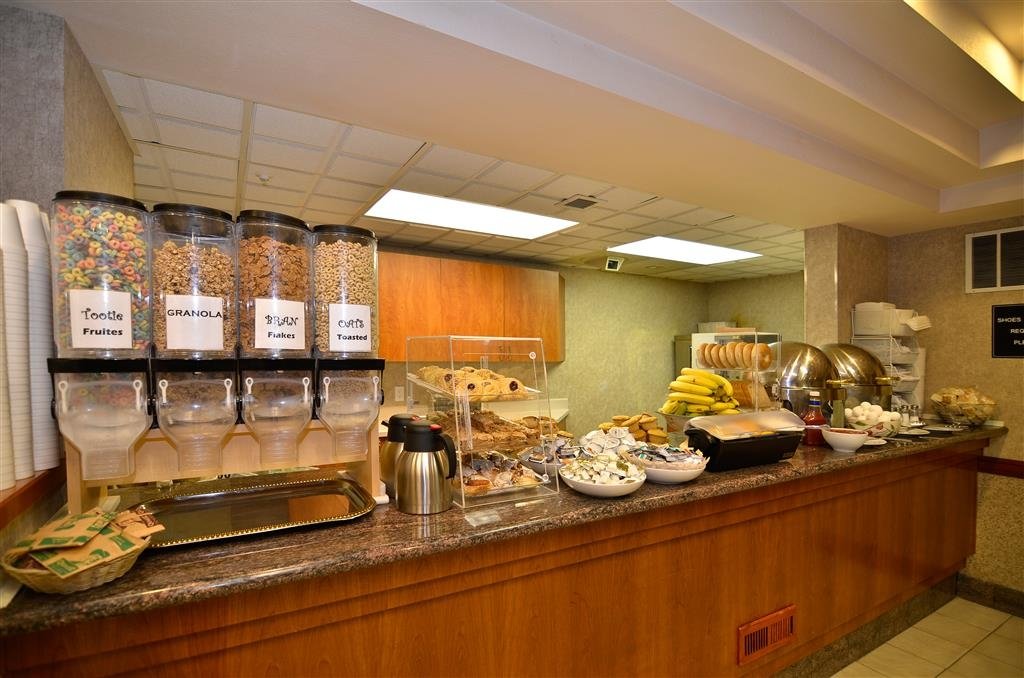 Best Western Plus Twin Falls Hotel - Breakfast Bar
