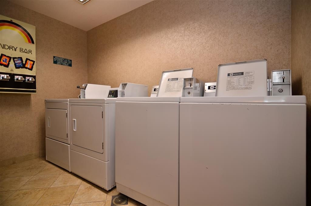 Best Western Plus Twin Falls Hotel - Keep your brights looking bright while you travel with our guest laundry room.
