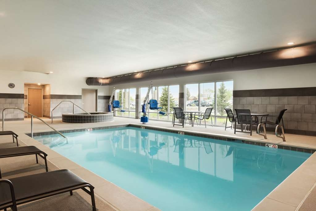 Best Western Plus Peppertree Nampa Civic Center Inn - Indoor Heated Pool and Hot Tub