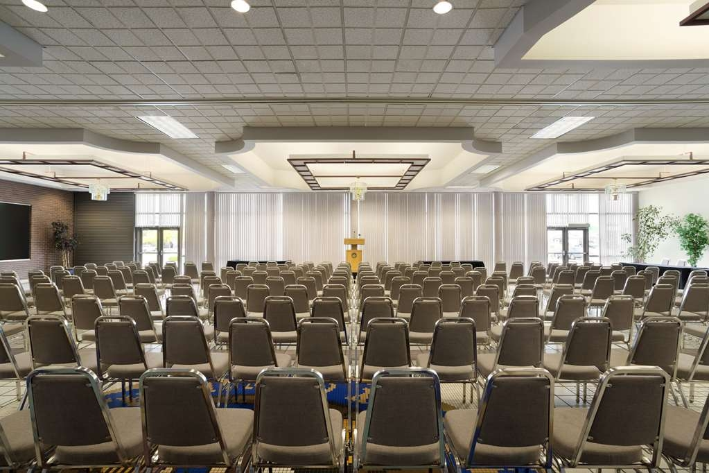Best Western Plus Peppertree Nampa Civic Center Inn - Best Western Plus Peppertree Nampa Civic Center Inn Lobby Meeting Room
