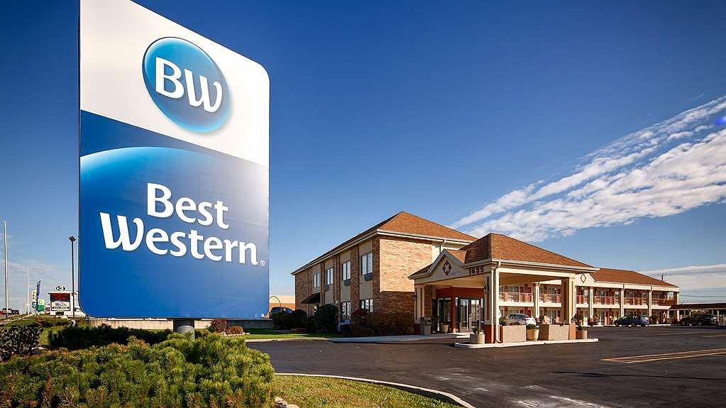 Best Western Inn of St. Charles - Area esterna