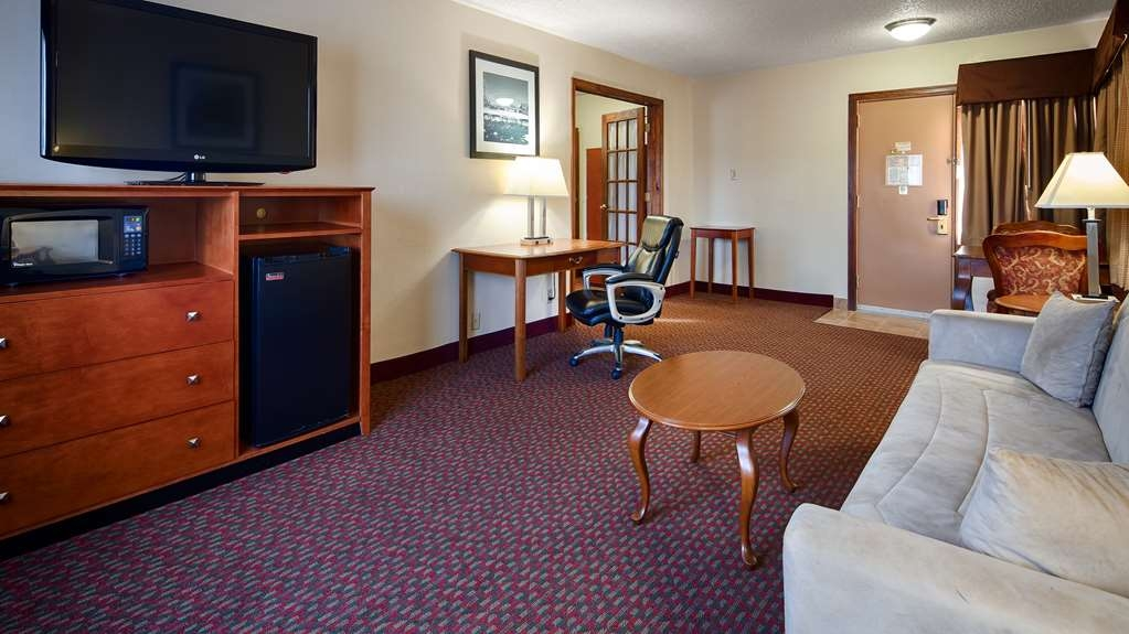 Best Western Inn of St. Charles - Suite