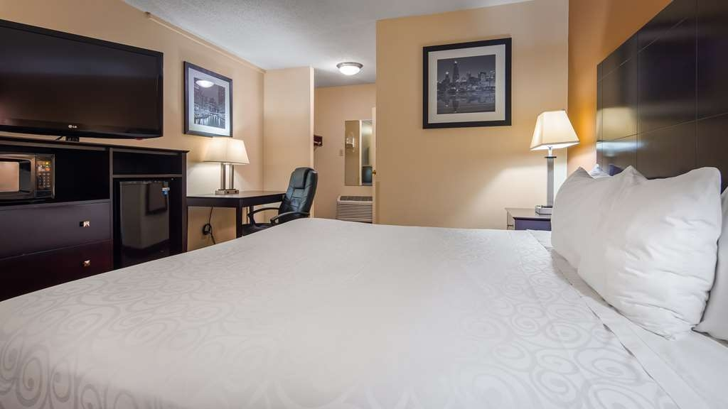 Best Western Inn of St. Charles - Our standard king offers the comforts of home with a few added amenities that will make your stay extra special.