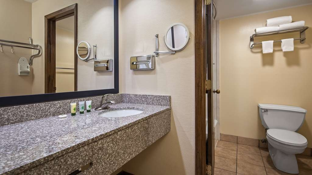 Best Western Inn of St. Charles - Enjoy getting ready for the day in our fully equipped guest bathrooms.