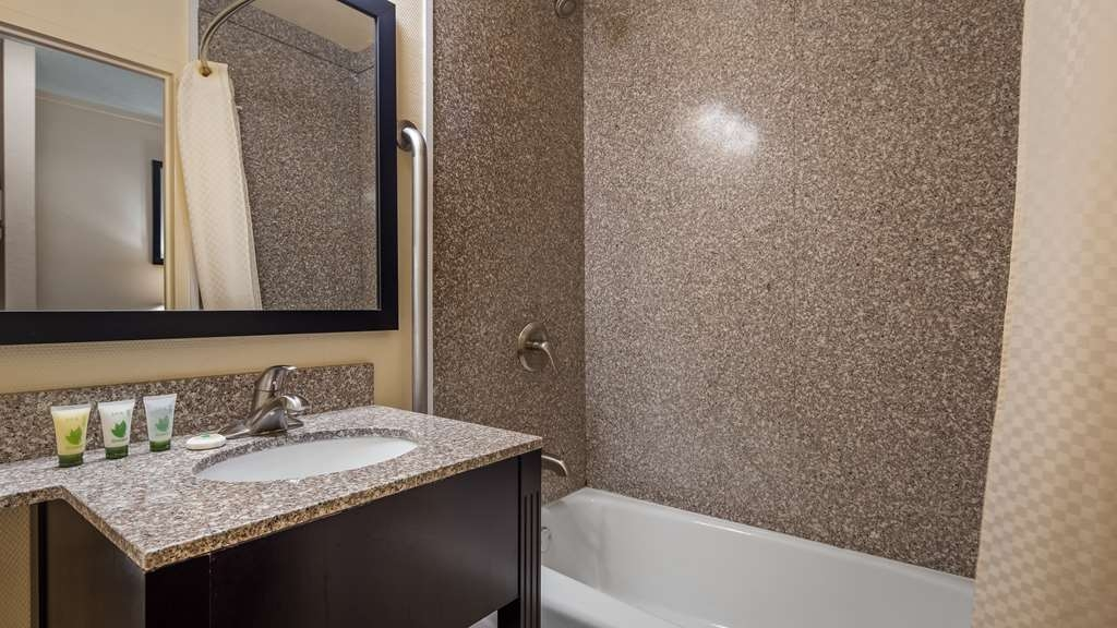 Best Western Inn of St. Charles - We take pride in making everything spotless for your arrival.