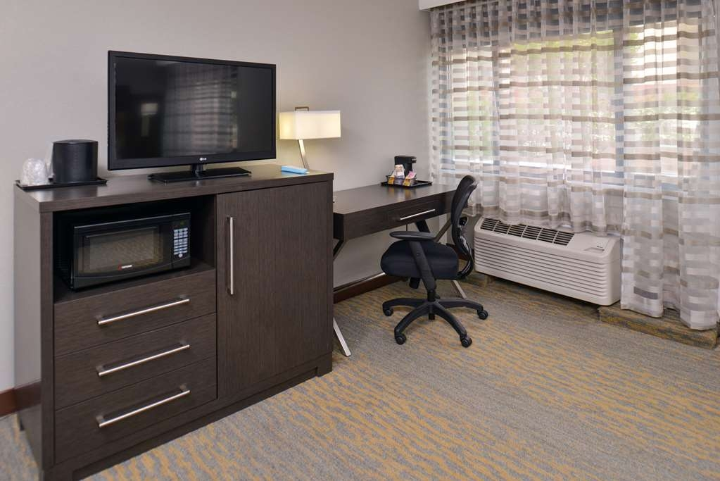 Best Western at O'Hare - Designed for corporate and leisure traveler alike, make a reservation in this guest room.