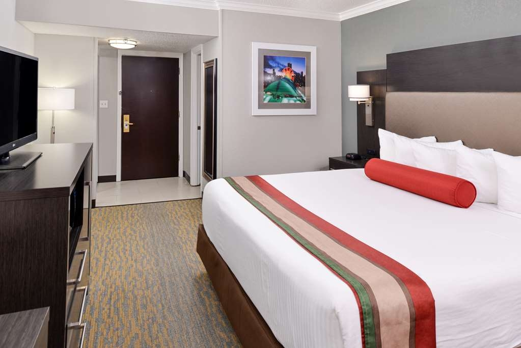 Best Western at O'Hare - Stretch out and relax in the king guest room.