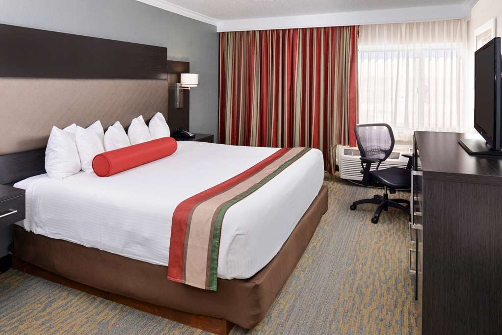 Best Western at O'Hare - Designed for corporate and leisure traveler alike, make a reservation in this king guest room.