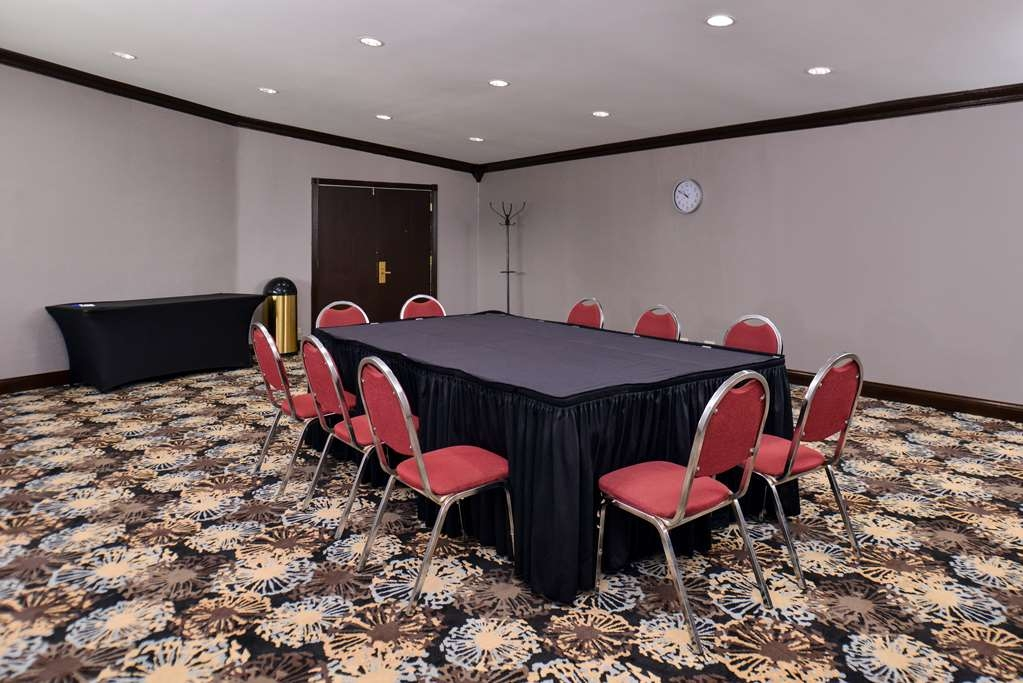 Best Western at O'Hare - Need to schedule a meeting for business? We have space available for you and your clients.