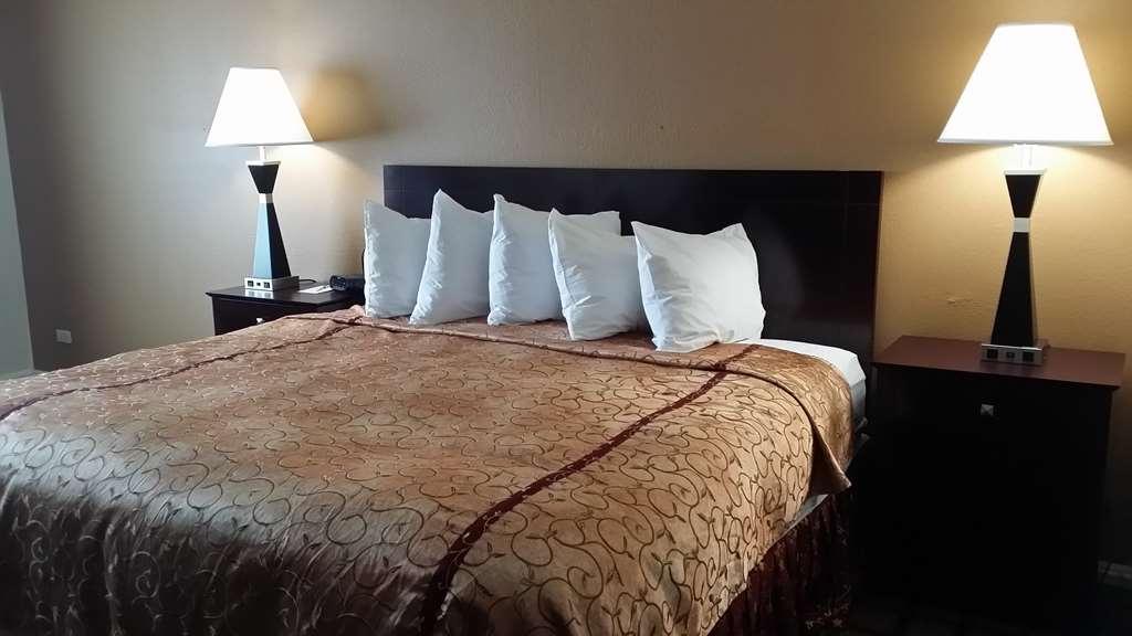 Best Western Plus Oakbrook Inn - King Standard Room