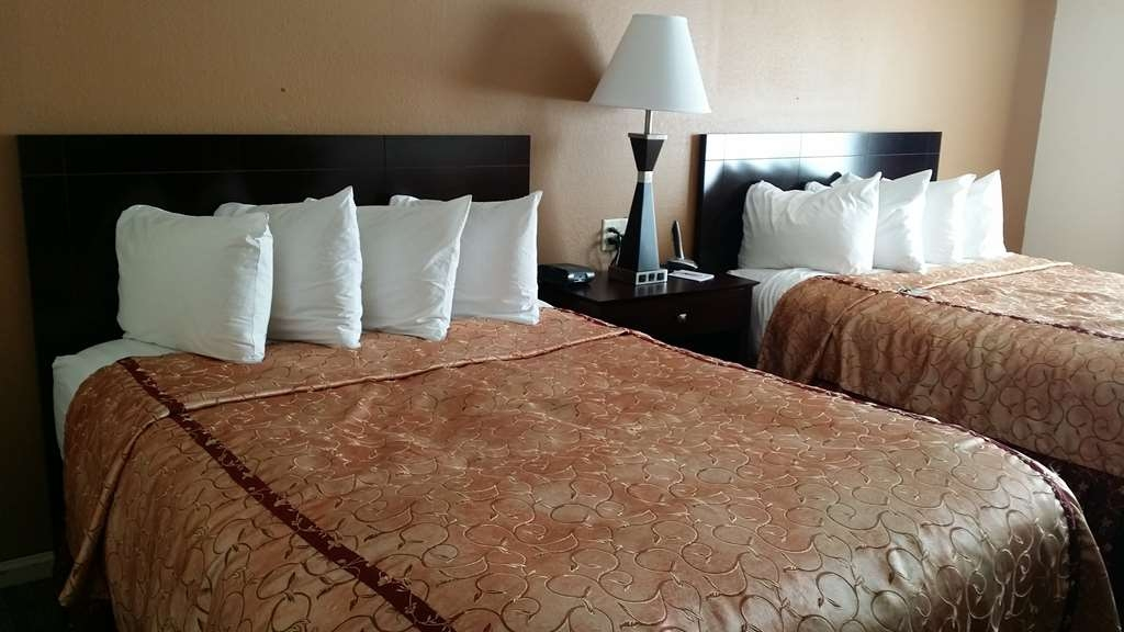 Best Western Plus Oakbrook Inn - Gästezimmer/ Unterkünfte