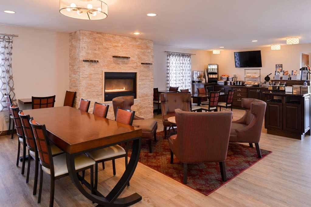 Best Western Designer Inn & Suites - Restaurant / Gastronomie