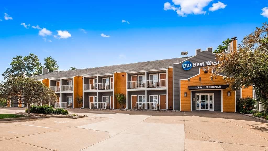 Best Western Designer Inn & Suites - Außenansicht