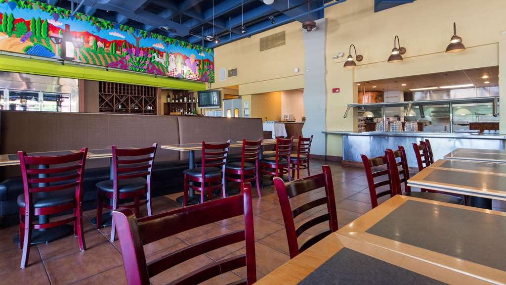 Best Western Grant Park Hotel - Enjoy the most important meal of the day at Mei's Kitchen - open 6:30 a.m. to 9 p.m.