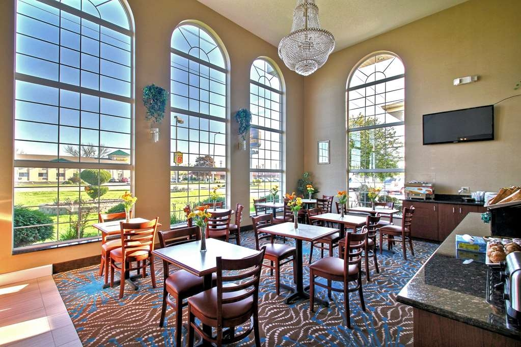 Best Western Airport Inn - Breakfast Area