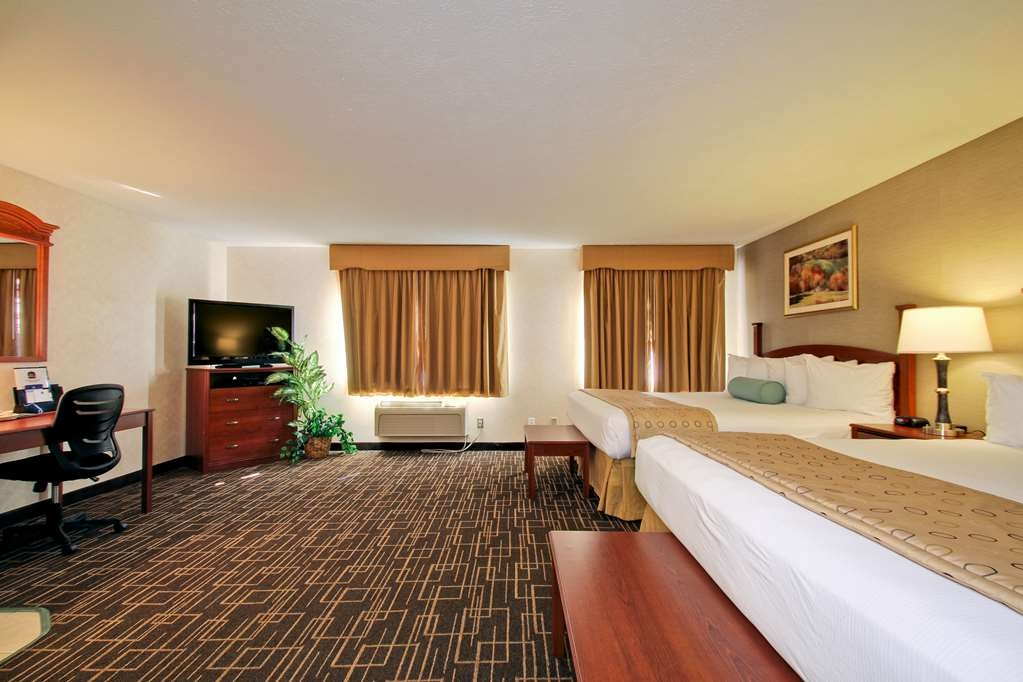 Best Western Airport Inn - Live like a king in our studio suite!