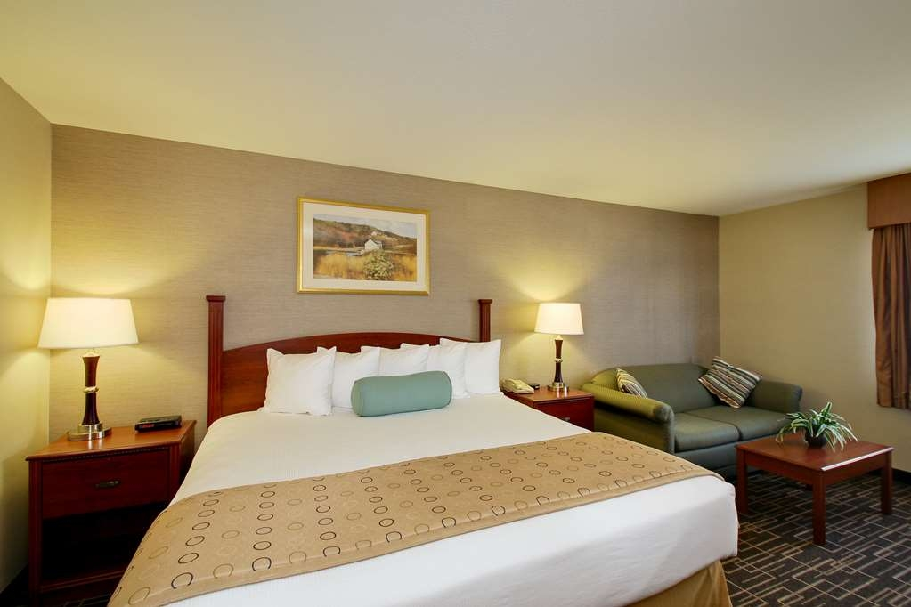 Best Western Airport Inn - All of our rooms are equipped with a mini refrigerator and microwave.